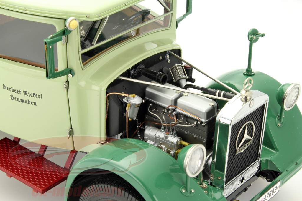 Mercedes-Benz LO 2750 LKW med plan struktur år 1933-1936 grøn 1:18 CMC