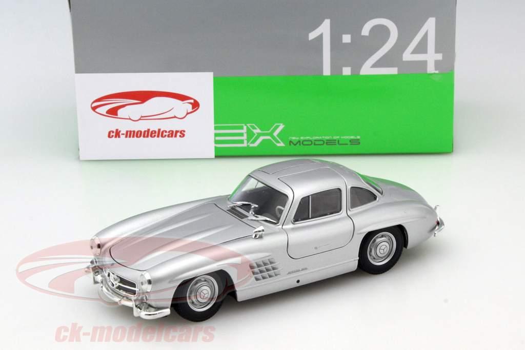 Mercedes-Benz 300 SL silver gray 1:24 Welly