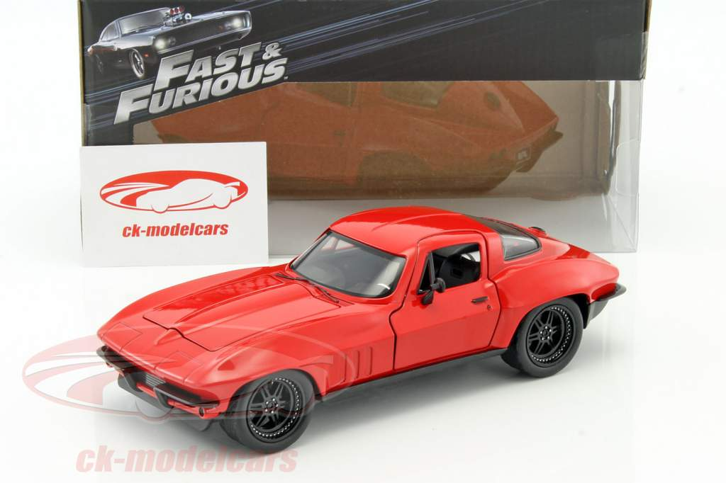 Letty's Chevrolet Corvette Fast and Furious 8 2017 vermelho 1:24 Jada Toys