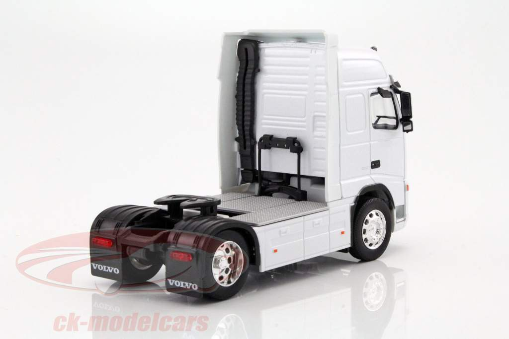 Volvo FH12 Globetrotter XL wit 1:32 Welly