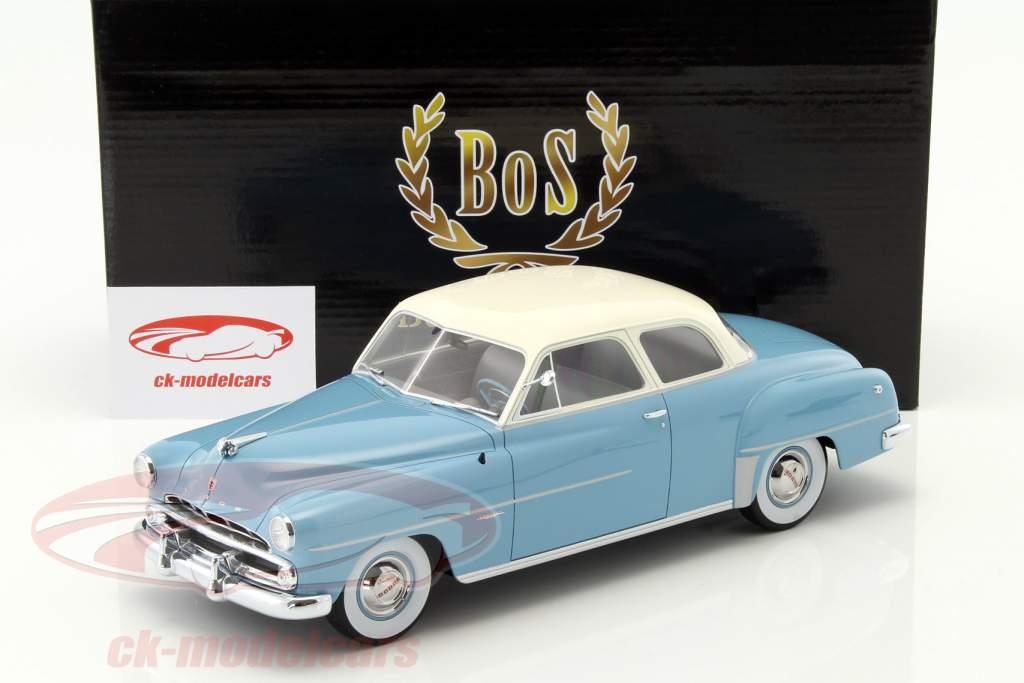 Dodge Coronet Club Coupe Bouwjaar 1952 lichtblauw / wit 1:18 BoS-Models