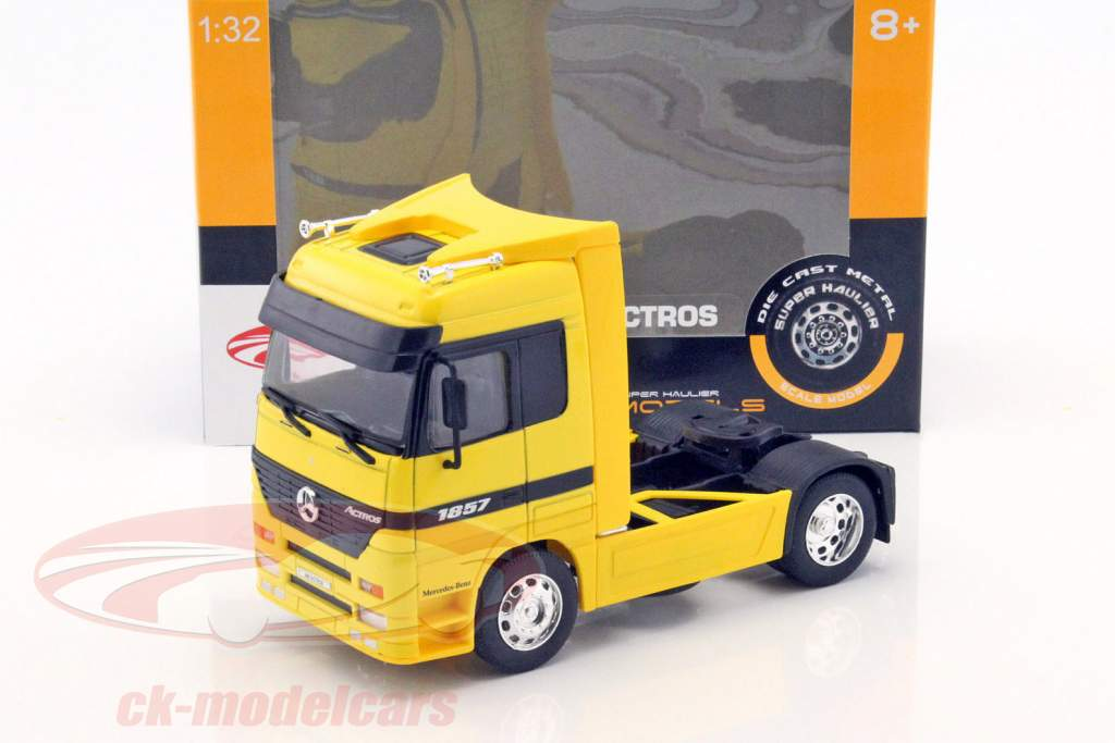 Mercedes-Benz Actros 4x2 amarelo 1:32 Welly