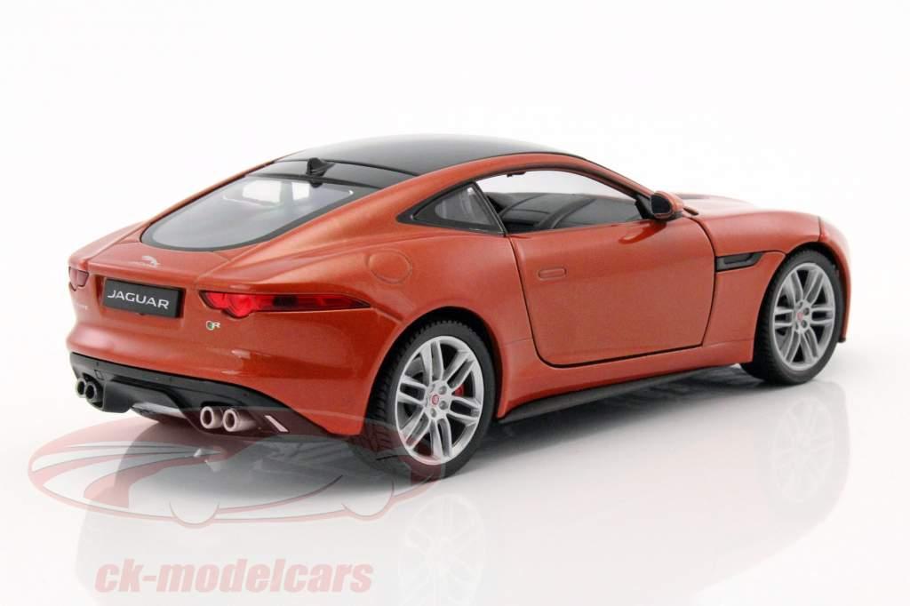 Jaguar F-Type Coupe año de construcción 2015 naranja 1:24 Welly