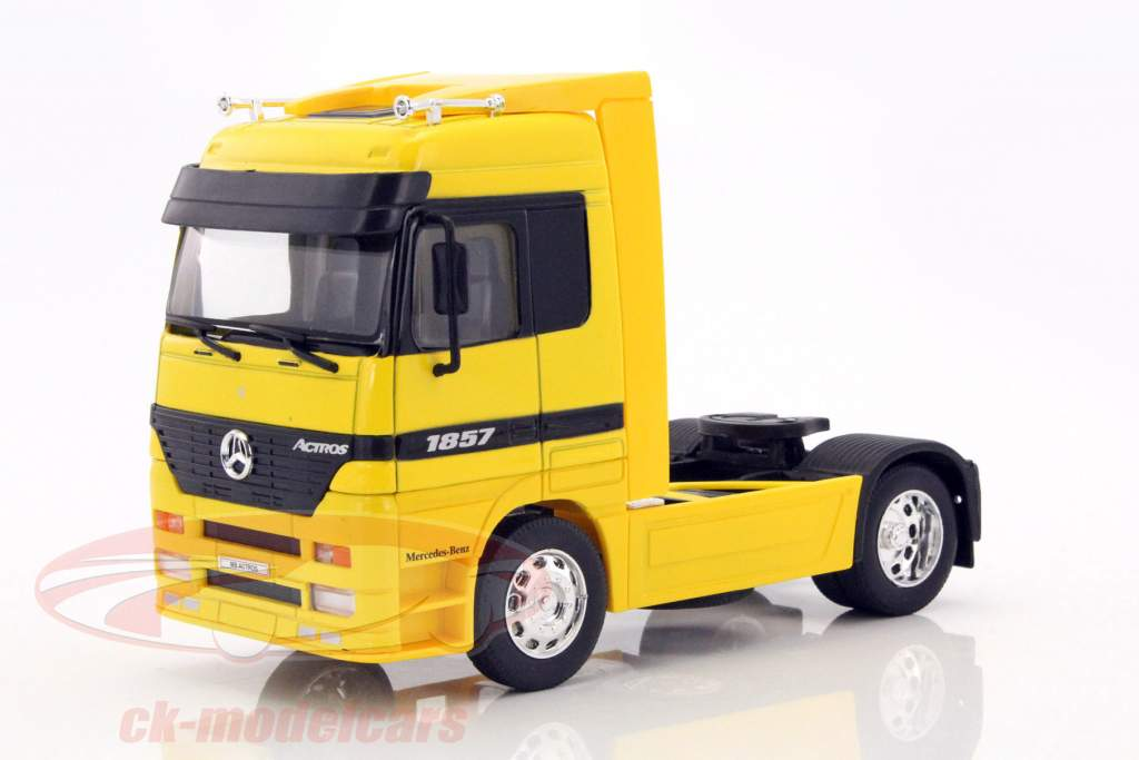 Mercedes-Benz Actros 4x2 gul 1:32 Welly
