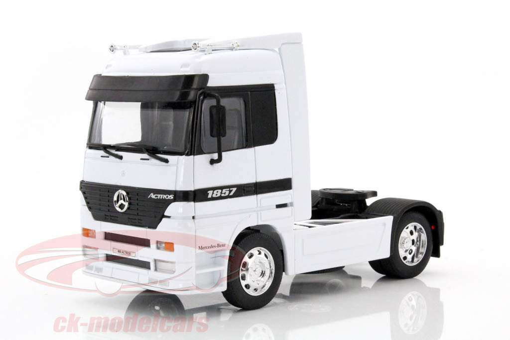 Mercedes-Benz Actros 4x2 branco 1:32 Welly