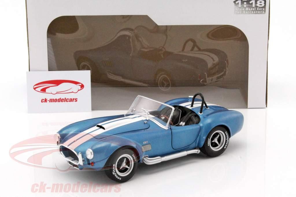 AC Cobra 427 MKII Bouwjaar 1965 blauw / wit 1:18 Solido
