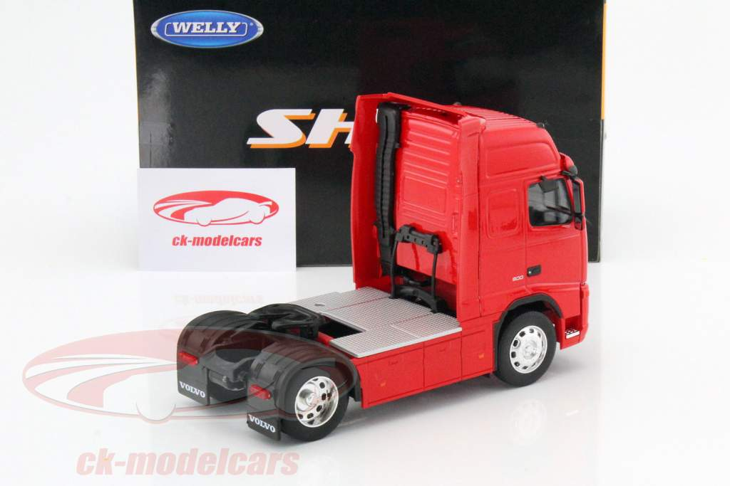 Volvo FH12 Globetrotter XL red 1:32 Welly