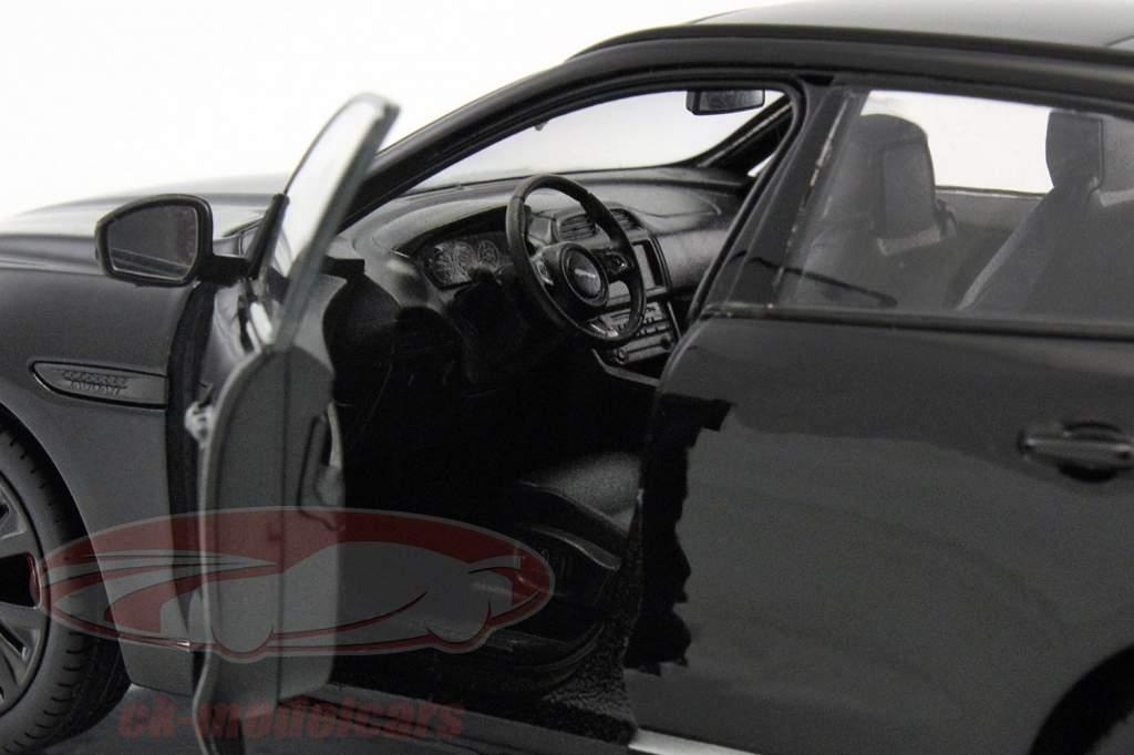 Jaguar F-Pace ano de construção 2016 preto 1:24 Welly