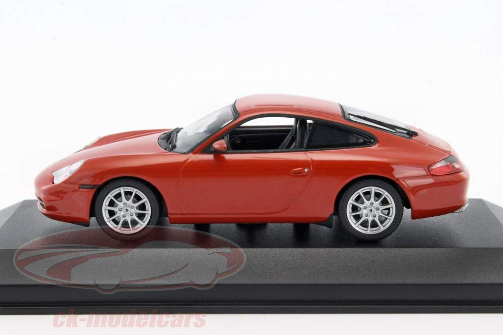 Porsche 911 Carrera coupe Bouwjaar 2001 oranje-rood metalen 1:43 Minichamps