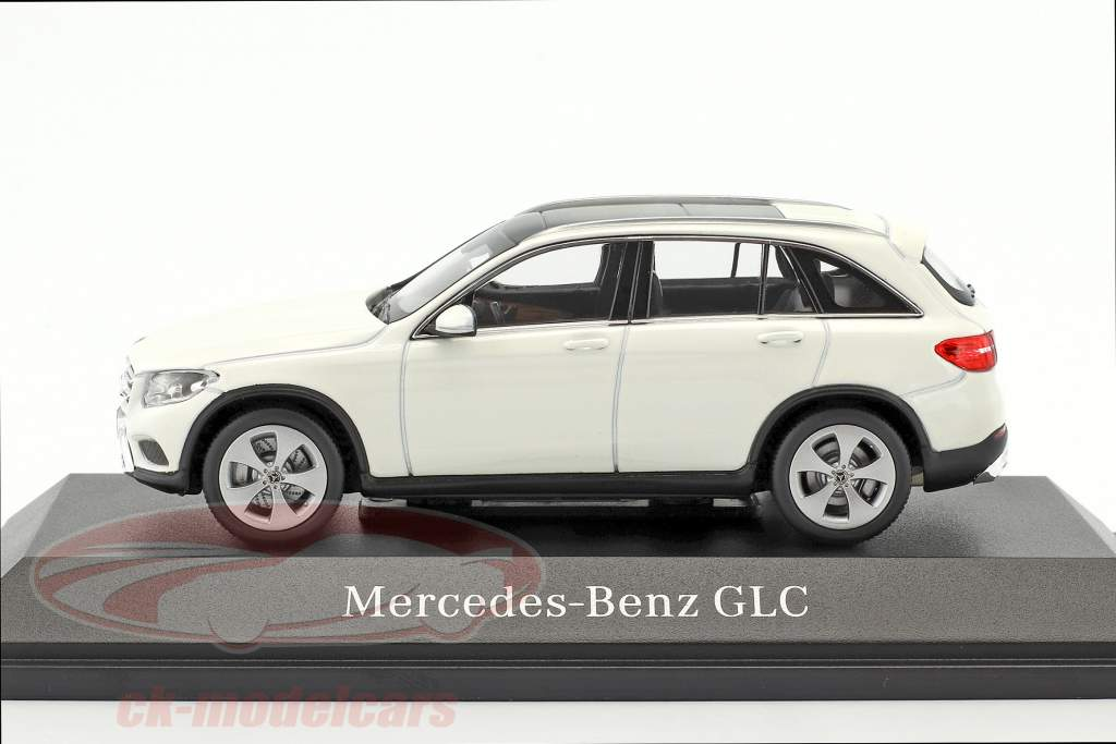 Mercedes-Benz GLC-Class X253 diamond white 1:43 Norev