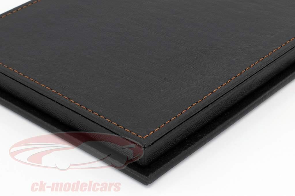 Hoge kwaliteit vitrine met basisplaat uit van leer voor model- auto's in schaal 1:18 zwart SAFE