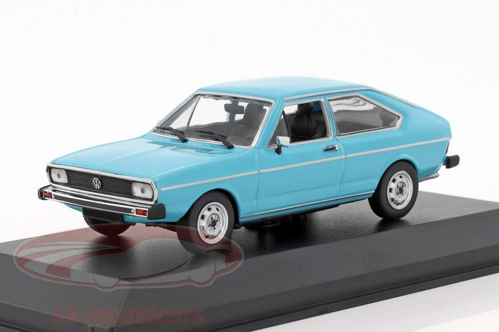 Volkswagen VW Passat Construction year 1975 blue 1:43 Minichamps