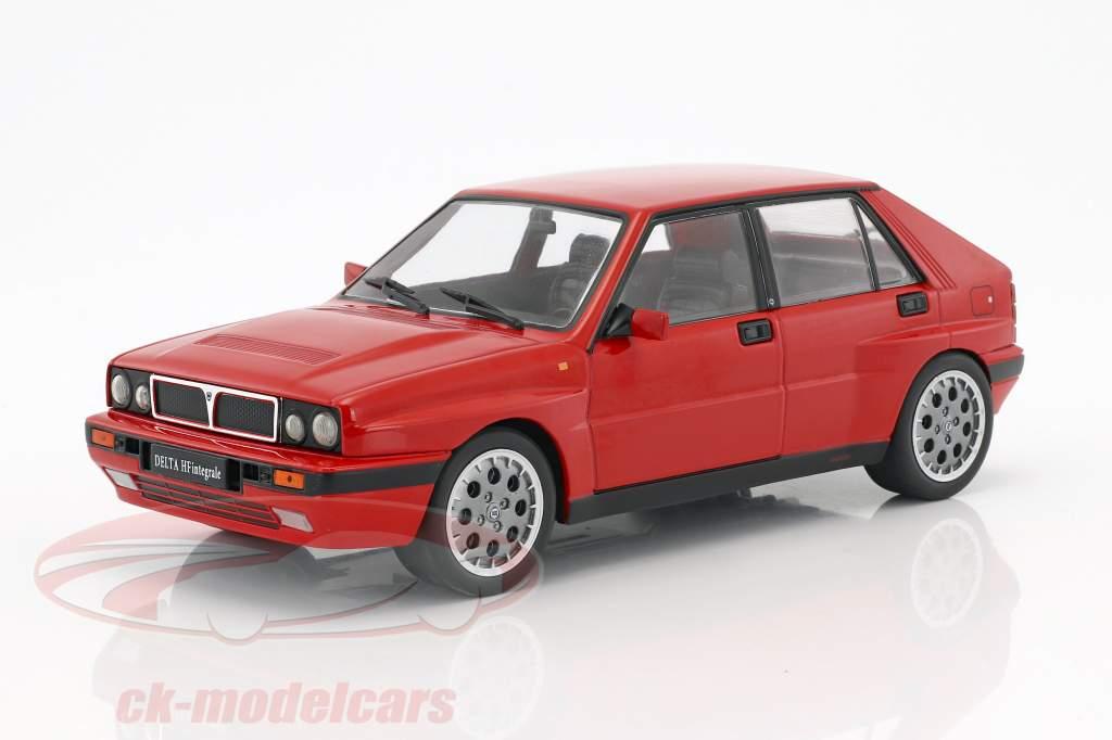 Lancia Delta HF Integrale 16V anno di costruzione 1990 rosso 1:18 Triple9