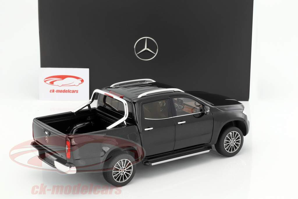 Mercedes-Benz X-Klasse kabara schwarz 1:18 Norev