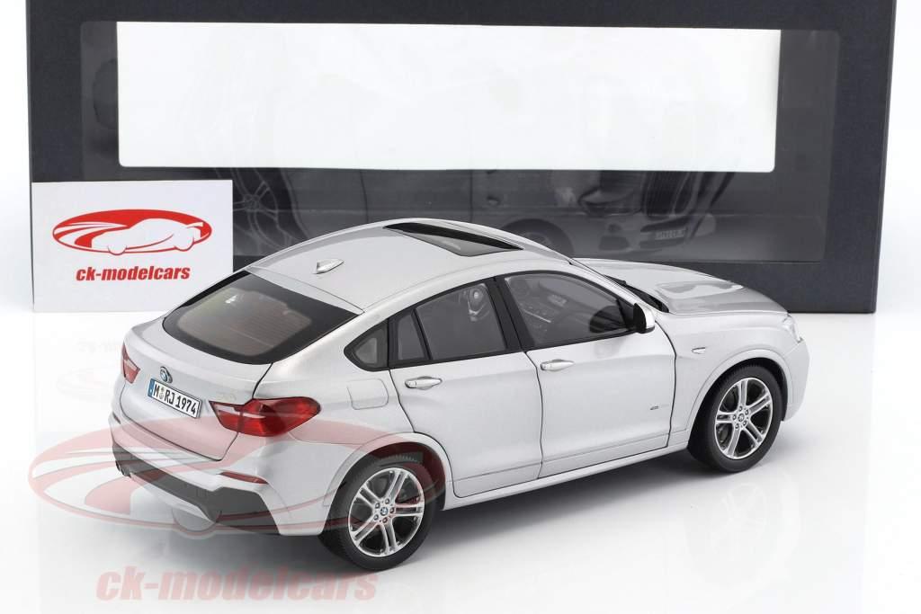 BMW X4 XDRIVE (F26) Baujahr 2014 silber 1:18 Paragon Models