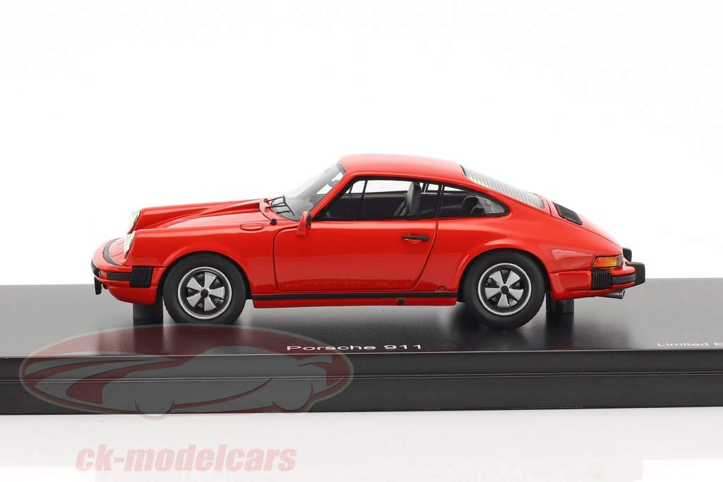 Porsche 911 coupe year 1975 Indian red 1:43 Schuco