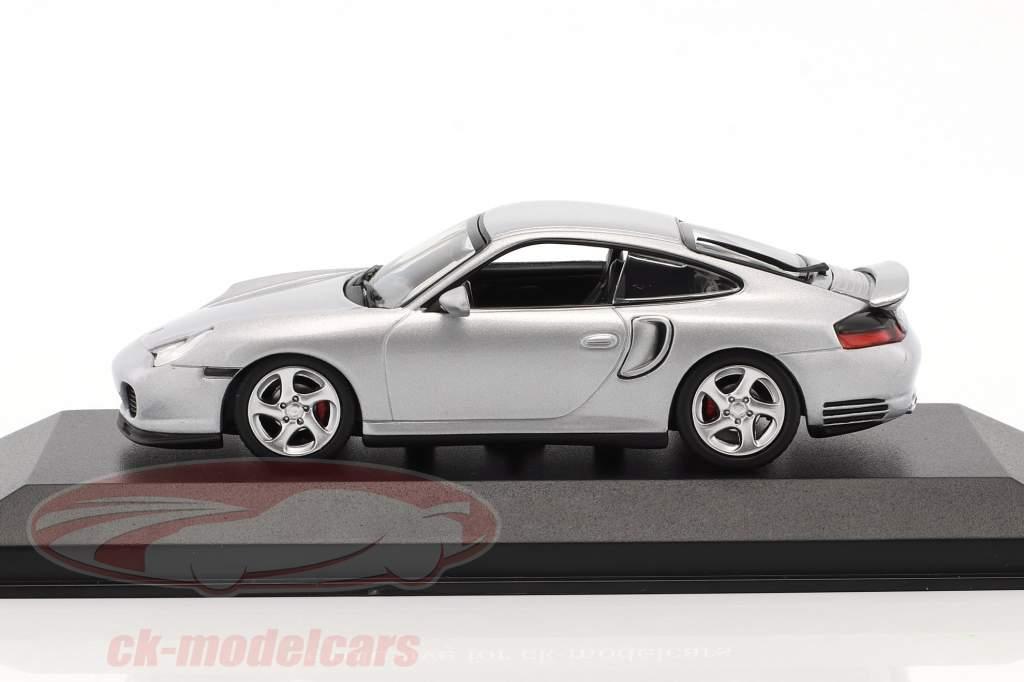 Porsche 911 (996) Turbo Baujahr 1999 silber 1:43 Minichamps