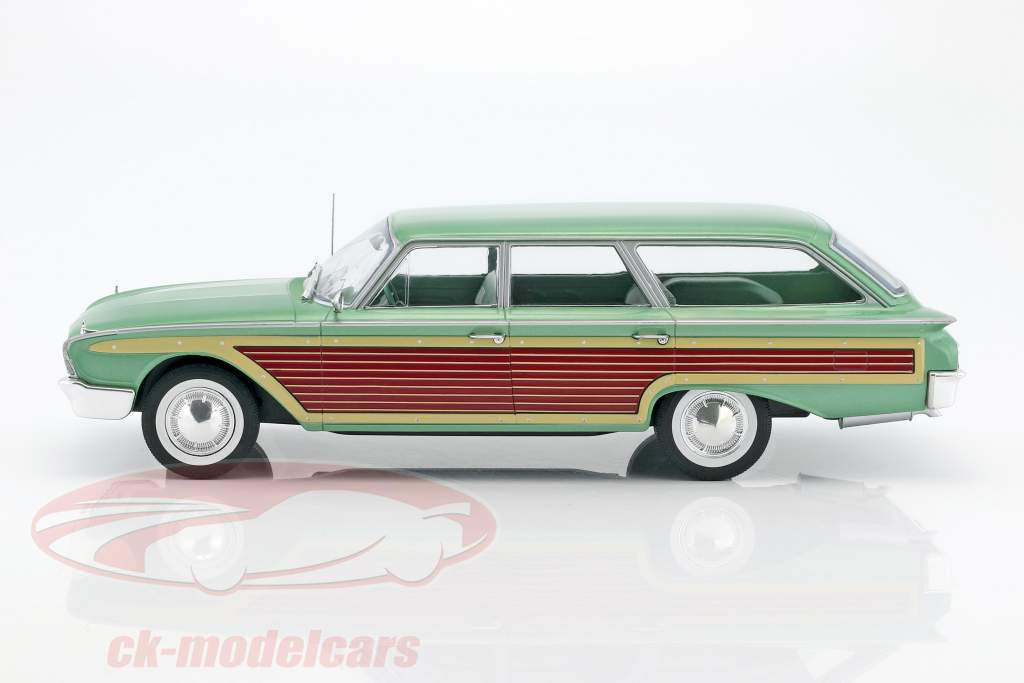 Ford Country Squire con effetto legno verde metallico 1:18 Model Car Group