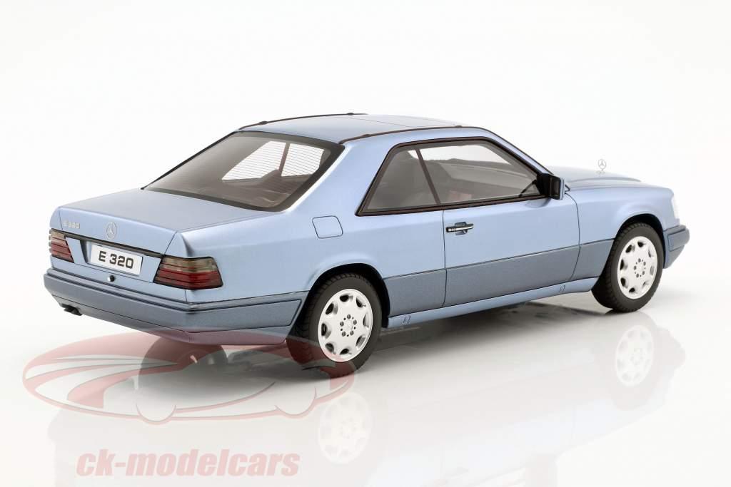 Mercedes-Benz E320 (C124) Coupe Baujahr 1986 blau 1:18 OttOmobile