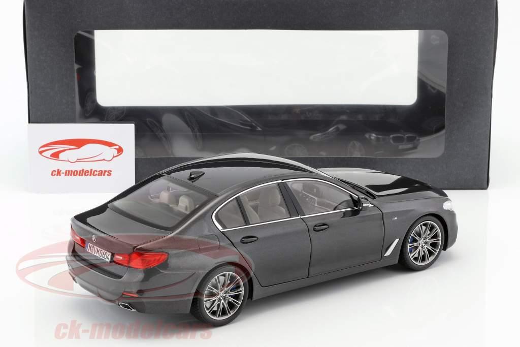 BMW 5 Series (G30) limousine year 2017 sophisto gray 1:18 Kyosho