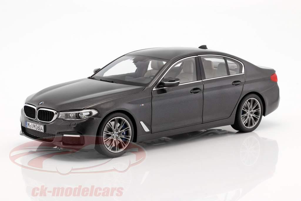 BMW 5 Series (G30) berlina anno di costruzione 2017 sophisto grigio 1:18 Kyosho