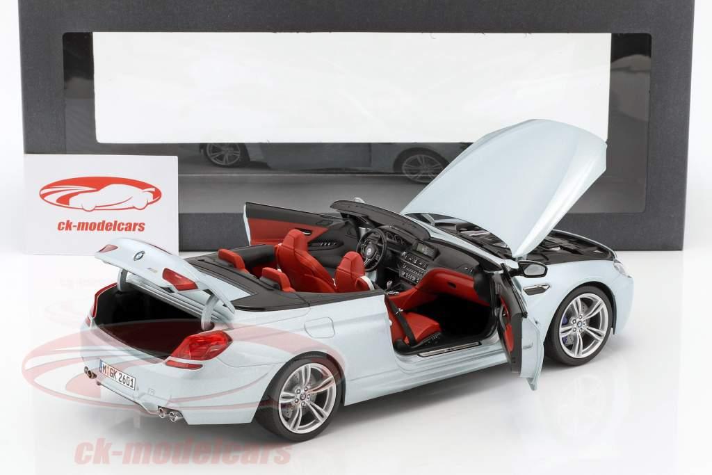 宝马M6敞篷银二银1:18典范模型