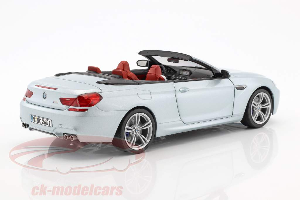BMW M6 Convertible Silverstone II silver 1:18 Paragon Models