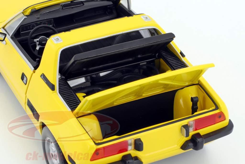 Fiat X1/9 year 1974 yellow 1:18 Minichamps