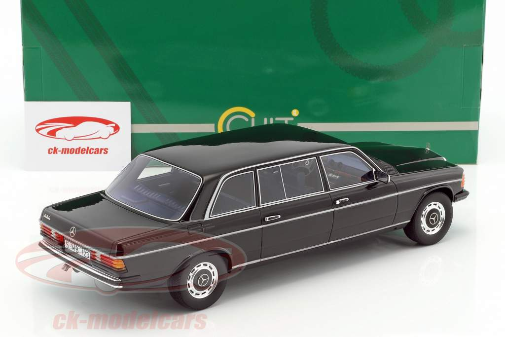 Mercedes-Benz V123 Long year 1978 black 1:18 Cult Scale