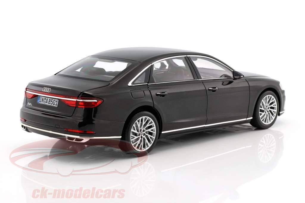Audi A8 L anno di costruzione 2017 mito nero 1:18 Norev