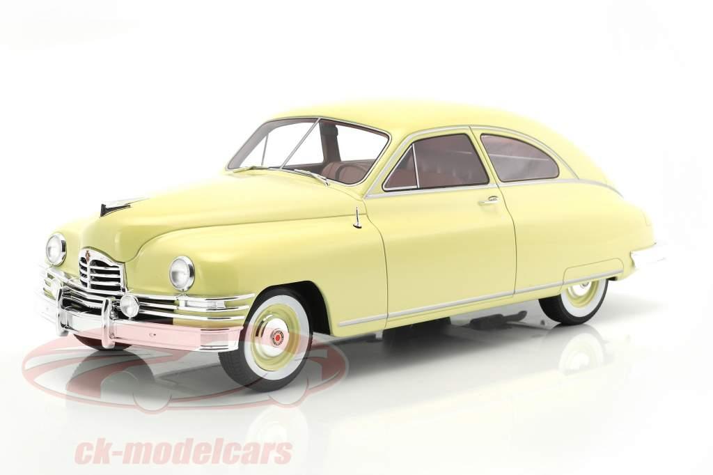 Packard DeLuxe Club Sedan 2 portes année 1949 jaune clair 1:18 BoS-Models