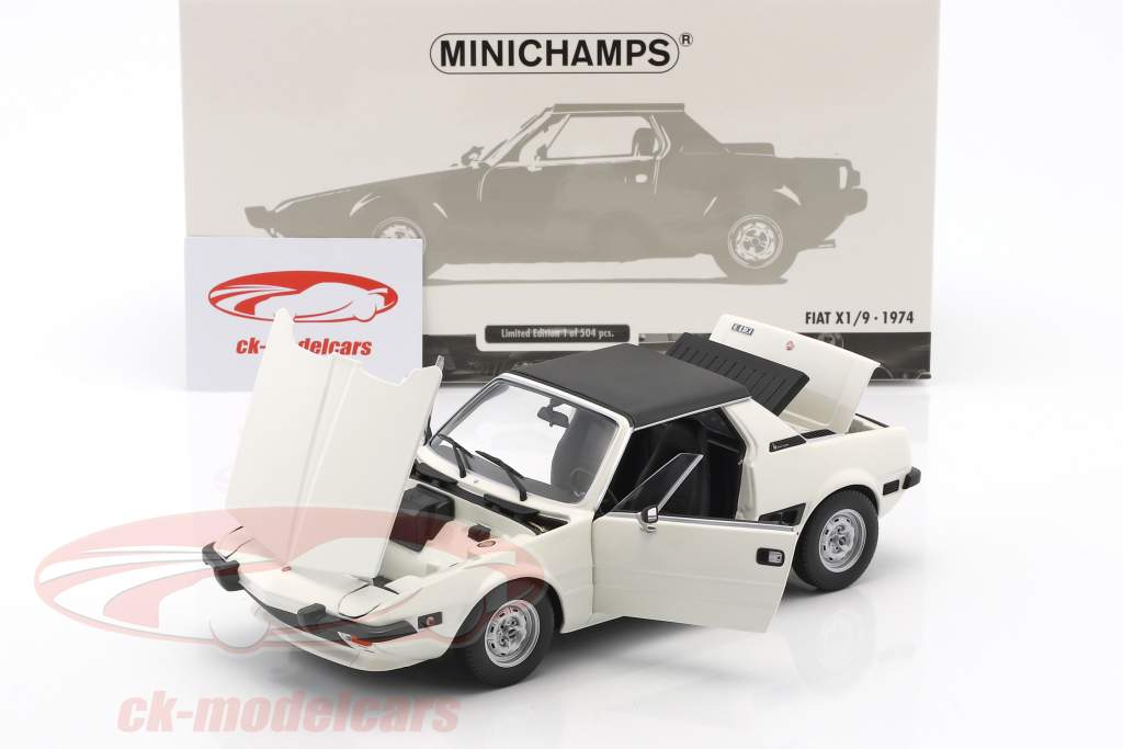 Fiat X1/9 year 1974 white 1:18 Minichamps