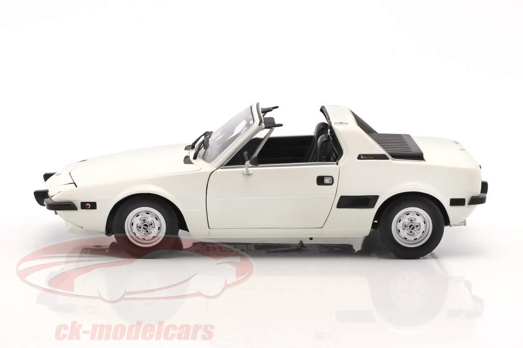 Fiat X1/9 année de construction 1974 blanc 1:18 Minichamps