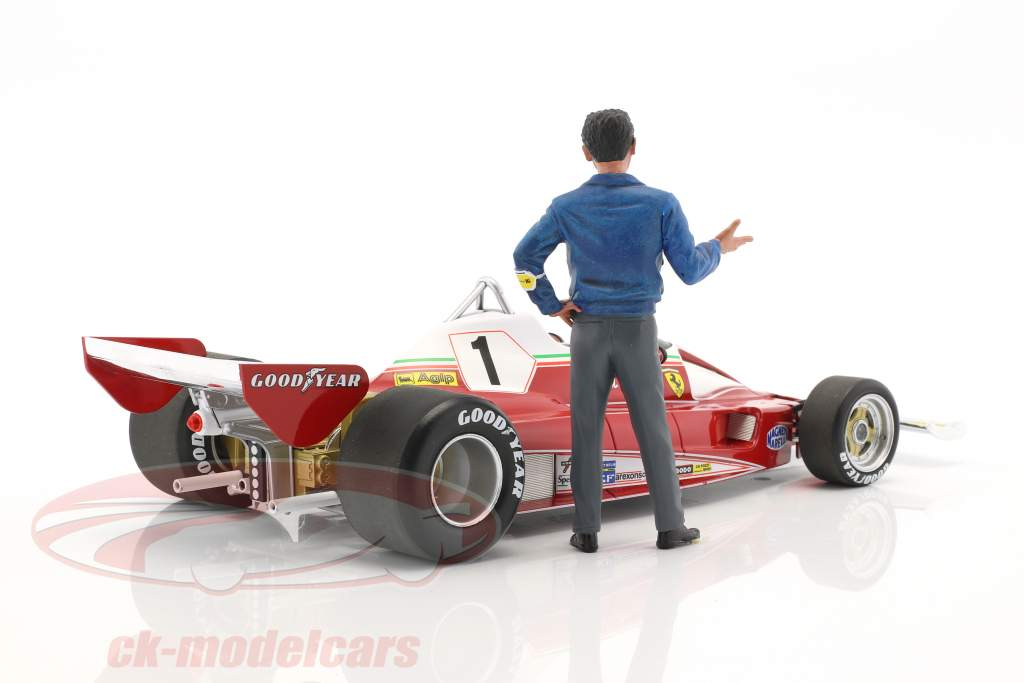 Mauro Forghieri Diretor de Esportes Ferrari figura 1:18 LeMansMiniatures
