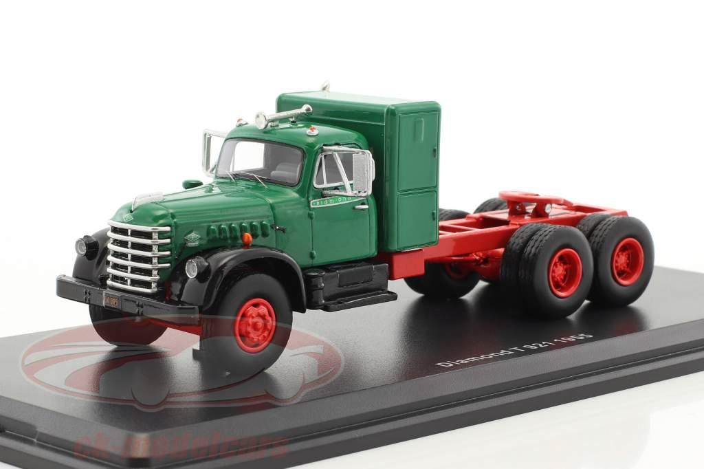 Diamond T 921 anno di costruzione 1955 verde / rosso 1:64 Neo