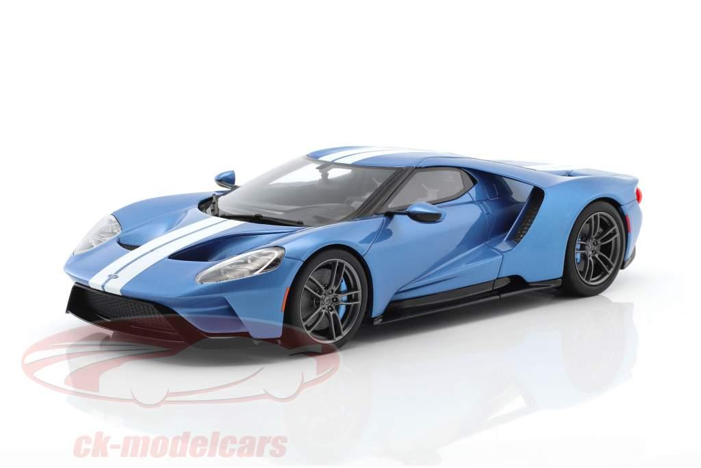 Ford GT MY17 lichtblauw metalen / wit 1:18 GT-Spirit