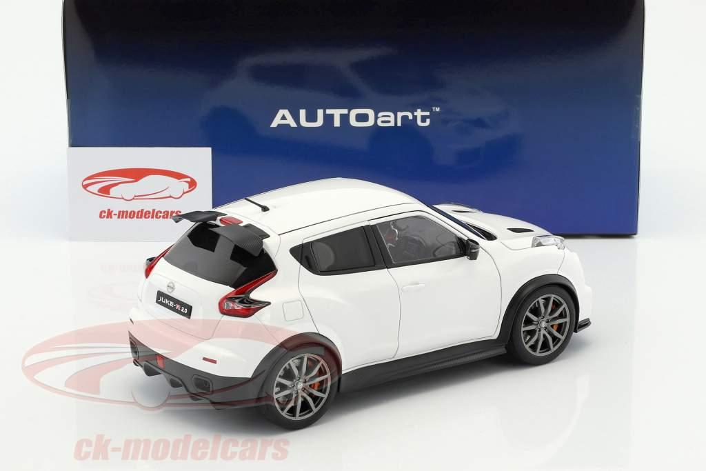 Nissan Juke R 2.0 ano de construção 2016 branco 1:18 AUTOart