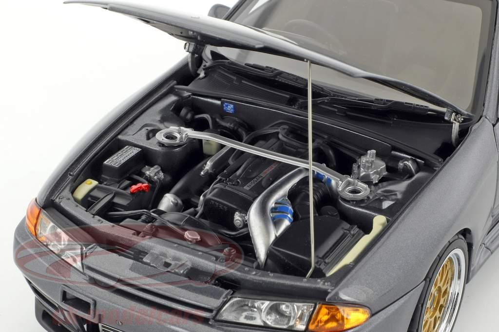 Nissan Skyline GT-R (R32) Wangan Midnight Reina gray metallic 1:18 AUTOart