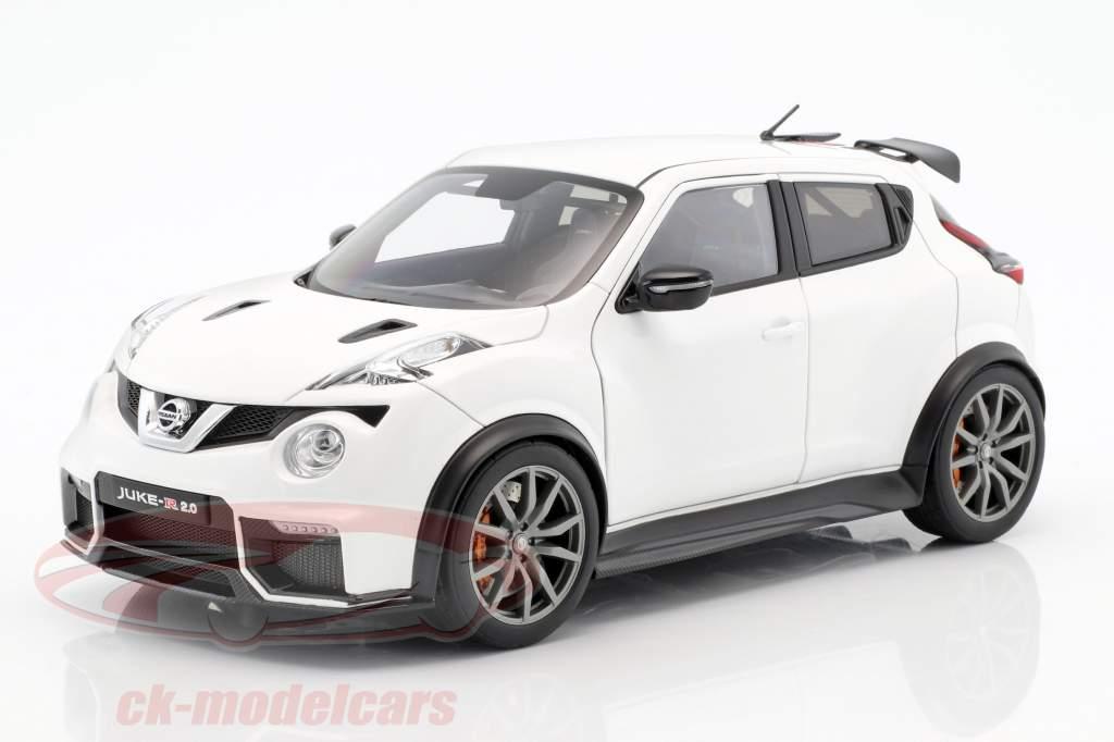 Nissan Juke R 2.0 Год постройки 2016 белый 1:18 AUTOart