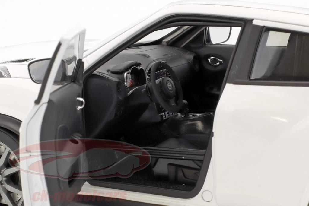Nissan Juke R 2.0 Bouwjaar 2016 wit 1:18 AUTOart