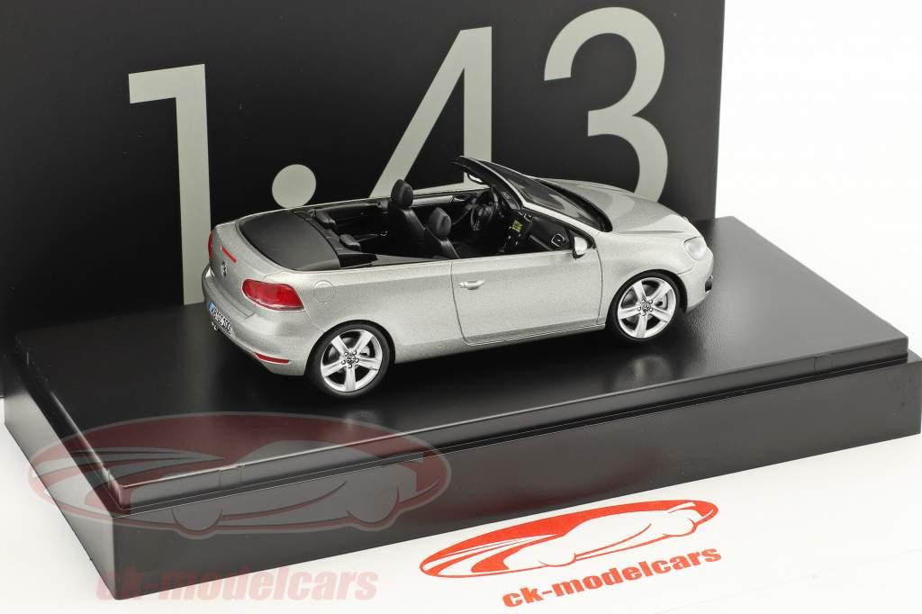 Volkswagen VW Golf cabriolet anno di costruzione 2012 argento metallico 1:43 Schuco