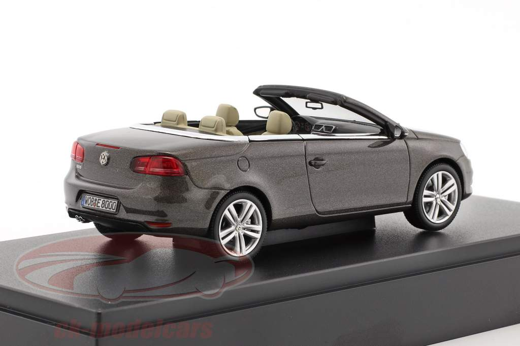 Volkswagen VW Eos 2011 black oak metallic 1:43 Kyosho