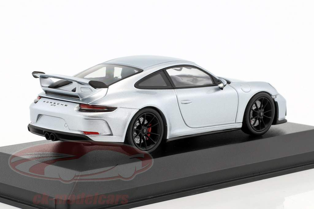 Porsche 911 (991 II) GT3 year 2017 rhodium silver metallic 1:43 Minichamps