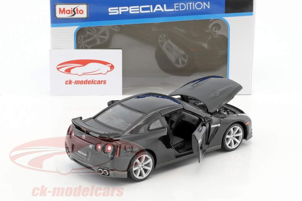 Nissan GT-R (R35) year 2009 black 1:24 Maisto
