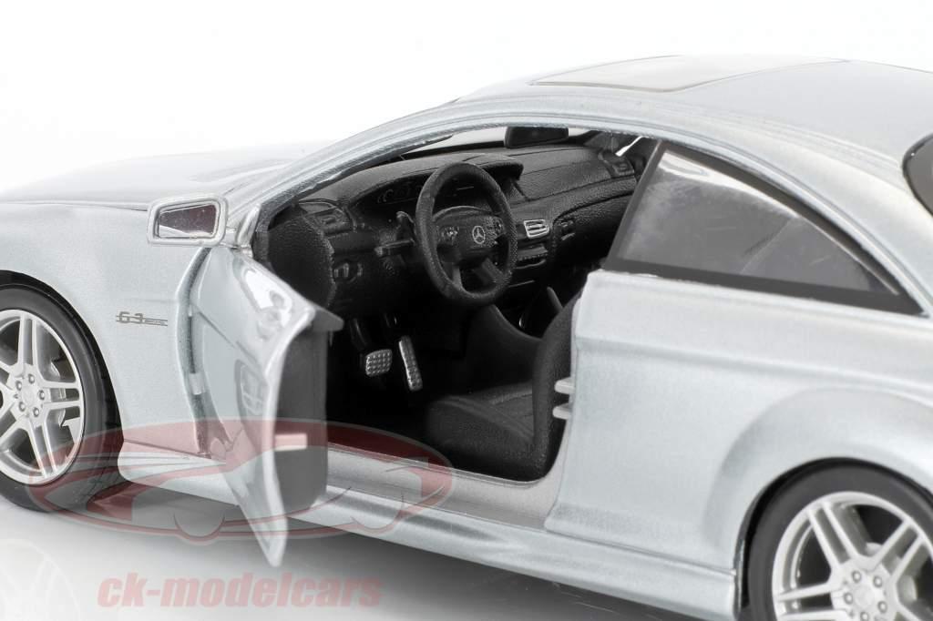 Mercedes-Benz CL 63 AMG argent 1:24 Maisto