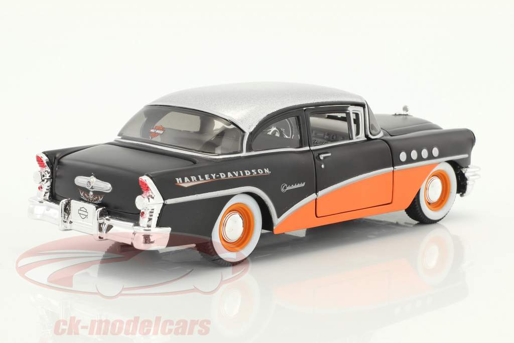 Buick Century HD-Design year 1955 orange / black / silver metallic 1:24 Maisto