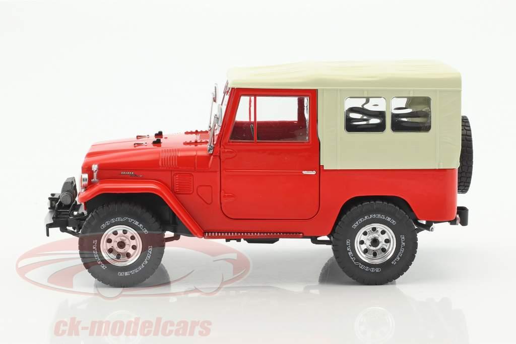Toyota Land Cruiser FJ40 Opførselsår 1967 rød / beige 1:18 Triple9