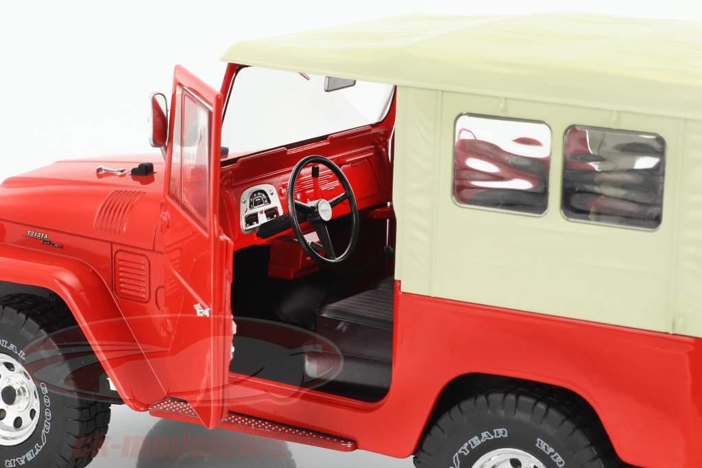 Toyota Land Cruiser FJ40 année de construction 1967 rouge / beige 1:18 Triple9