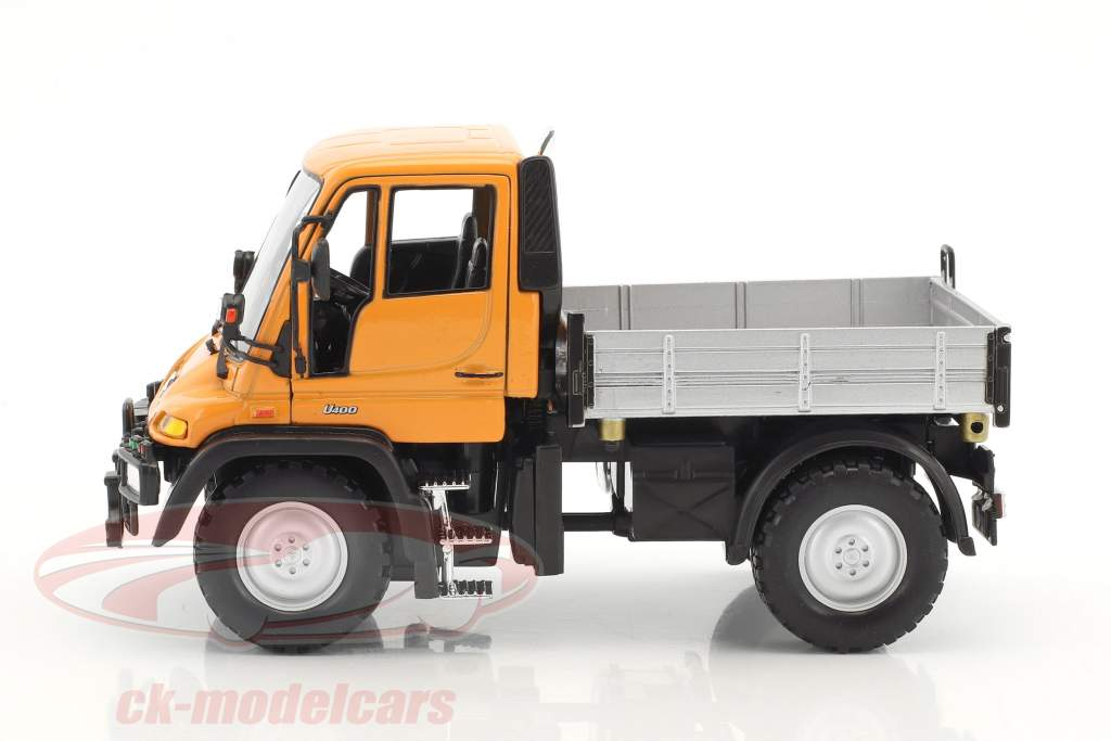 Mercedes-Benz Unimog orange / gray / black 1:32 Welly
