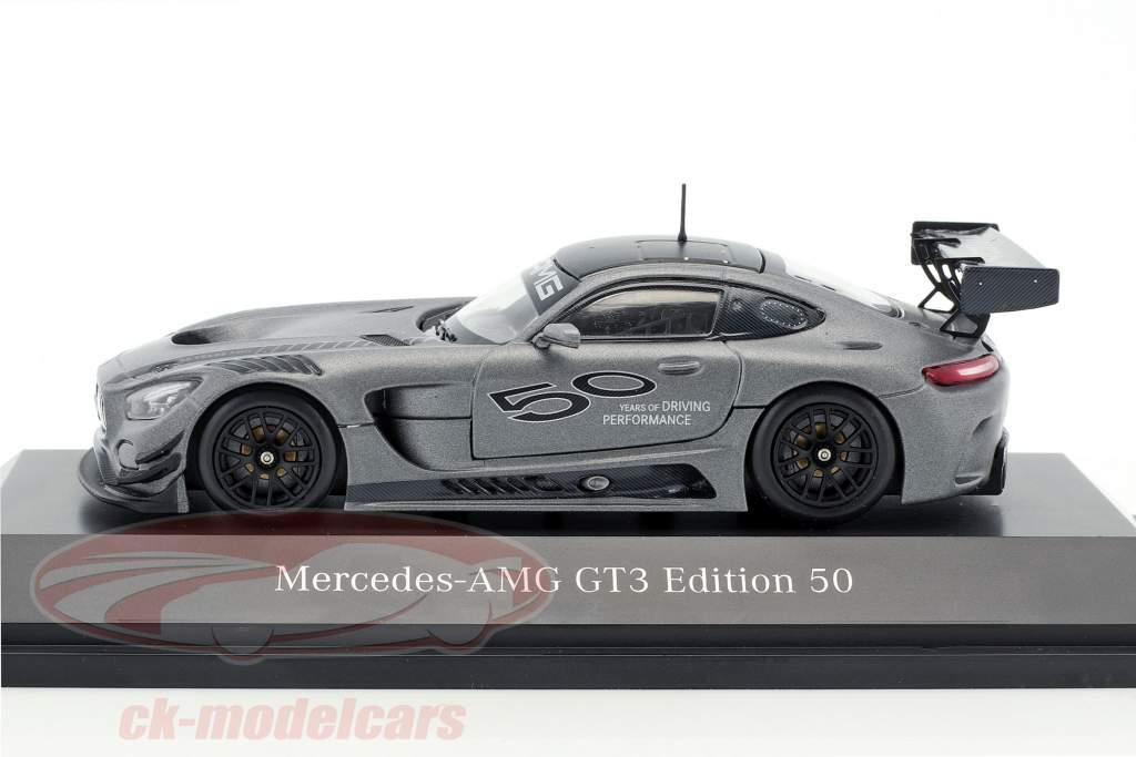 Mercedes-Benz AMG GT3 edição 50 anos cinza metálico 1:43 Minichamps